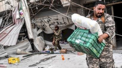 سوريون يستغيثون..