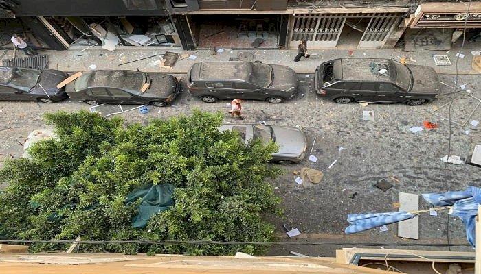 «وكأنها الساعة».. «لبنانيون مشردون» يروون معاناتهم بعد «انفجار بيروت»