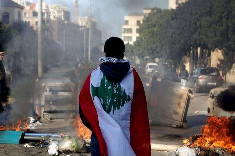 أزمة الدولار تهدد المستقبل التعليمي لطلاب لبنان في الداخل والخارج