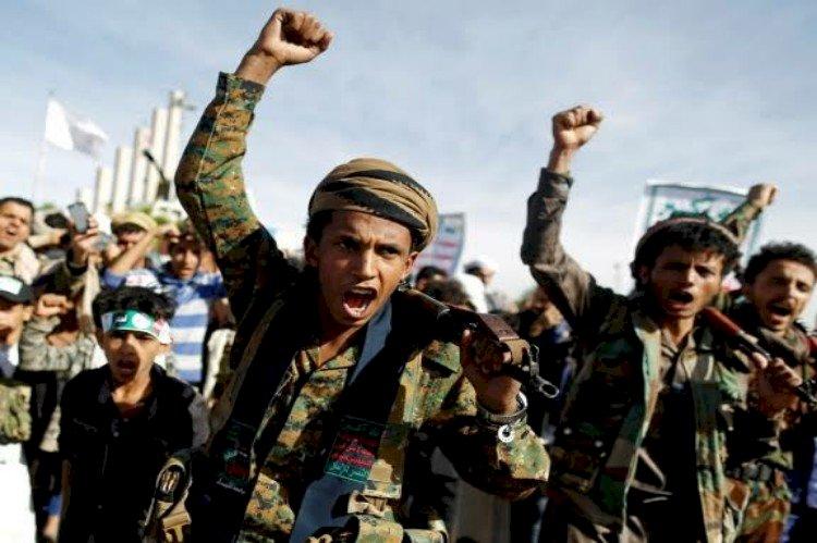 آرب ويكلي: مخاوف قطرية كبرى بعد زيارة السفير الأميركي لشرق اليمن