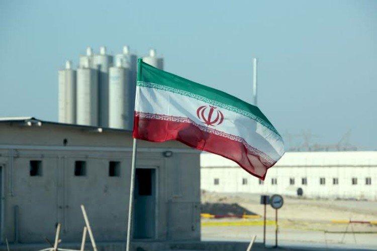 إيران تبتز العالم وتهدد بوقف عمل خبراء الطاقة الذرية