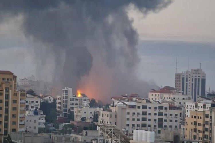 سياسيون: الأوضاع في غزة خارج السيطرة.. وإسرائيل تحاول استعادة ماء وجهها