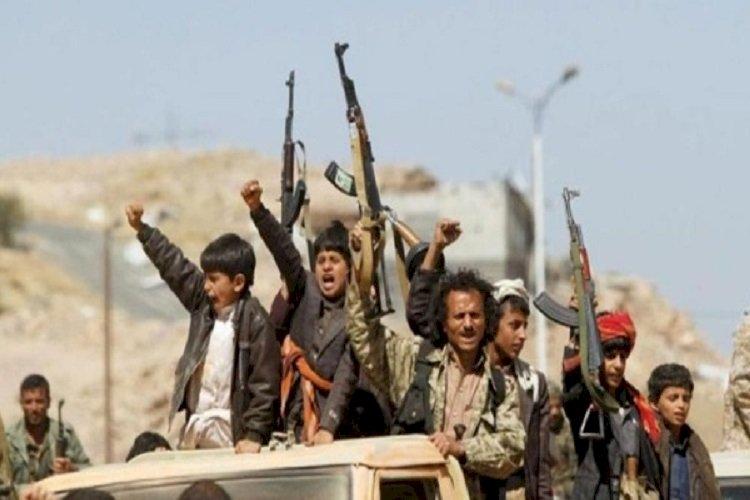 بسبب إهانة رموز إيران.. الحوثي يختطف 60 يمنيًا بمناطق سيطرته