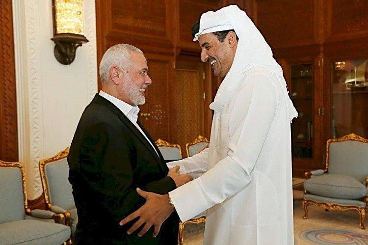 مصادر تكشف سر الـ 300 مليون دولار التي تسلمها هنية من أمير قطر
